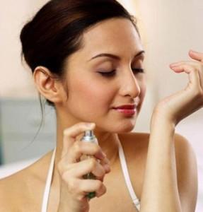 6 mẹo giúp bạn giữ mùi nước hoa thơm lâu